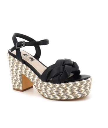 Sandale Elue par Nous Jitool noir | Compensé mode pour femmes